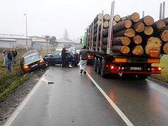 Nehoda tří aut u Žamberku.