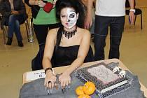 Žákyně SOŠ a SOU Lanškroun Sofiya Bereshvili vyhrála soutěž Harmonie v kategorii nail-art.
