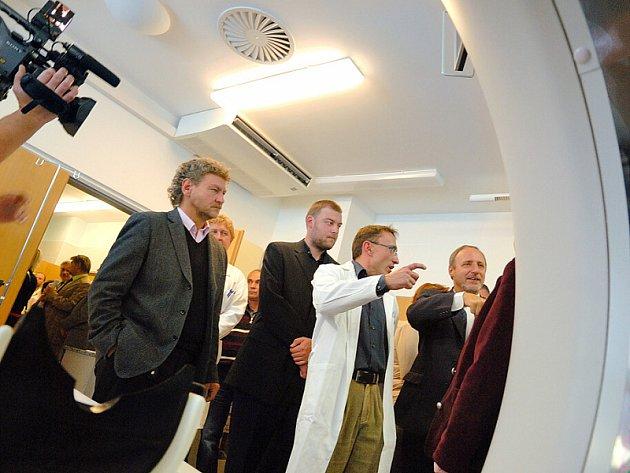 Radiologické oddělení získalo moderní přístroj.