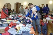 Podzimní bazar dětského oblečení.