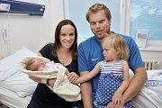 Denisa Mikysková je po Sáře druhou dcerou Petry a Václava z Dolní Dobrouče. S váhou 2,990 kg se narodila 20. 6. v 13.32 hodin.