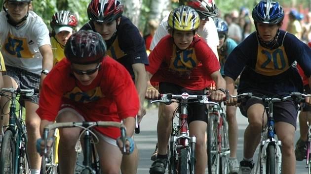 Cyklistický závod školních družstev na serpentiny nahradí výběh na sjezdovku na Pekláku. Ilustrační fotografie.