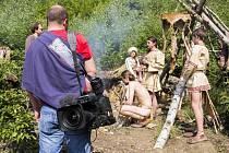 V pravěké osadě Křivolík se natáčel jeden díl dětského pořadu Záhady Toma Wizarda.