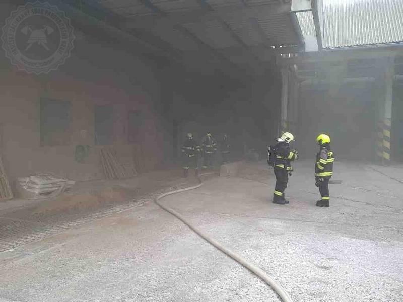 Rychlým zásahem nedošlo k rozšíření požáru například na dřevěné stropní konstrukce a podařilo se uchránit majetek ve výši 20 milionů korun.