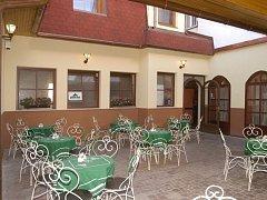 Restaurace – penzion U Zvonů.