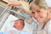 Kája Šimek bude doma v Českých Heřmanicích s rodiči Zuzanou a Karlem i sestřičkou Kristýnkou. Narodil se 6. července ve 2.14, kdy vážil 4,17 kg.