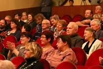 Orlická maska lákala na divadlo