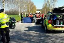 Na silnici z Mostku směrem na Brandýs nad Orlicí se srazil motorkář s osobním autem.