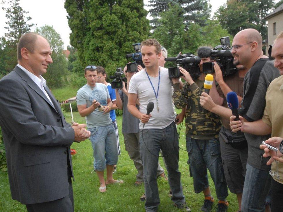 Ministr Gandalovič v Tisové.