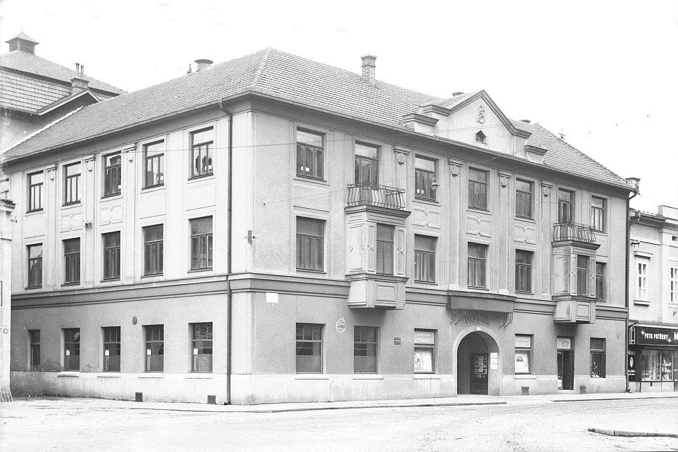 Panský dům - Sokolovna po přestavbě, 20. léta 20. století, Foto: Orlické muzeum Choceň
