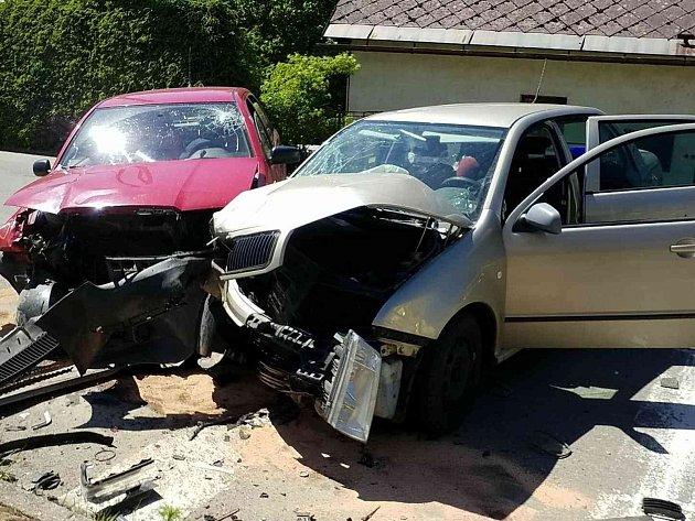 Dopravní nehoda dvou osobních automobilů ve Verměřovicích.