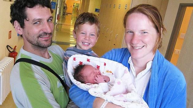 Eliška Pavlasová spatřila svět 25. srpna ve 2 hodiny. Od té doby dělá radost rodičům Zuzaně a Martinovi i bráškovi Jirkovi z Ústí nad Orlicí. Vážila 2,8 kg.
