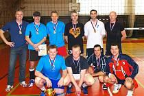 Volejbalisté Liberce kralovali veteránskému mistrovství republiky v Chocni.