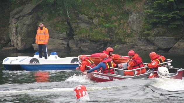 Mistrovství záchranných týmů na přehradě v Pastvinách.