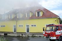 Požár restaurace ve Vysokém Mýtě.