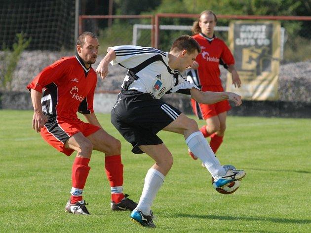Drtivý obrat. Ústečtí fotbalisté dokázali během necelých dvaceti minut nastřílet soupeři z Prachovic sedm branek a otočit skóre zápasu.