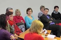 Ze setkání zástupců samosprávy a poskytovatelů sociálních služeb v Letohradě.