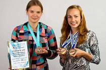 Michaela Stránská (7.A) a Justýna Bouchalová (4.A) z Gymnázia Česká Třebová.