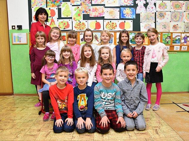 Žáci ze třídy 1.B ze Základní školy UDvora vLetohradu.
