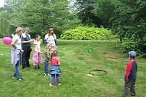 Ve středu patřil park Javorka v České Třebové dětem. Konal se tam Den dětí s dobrovolníky. Akce proběhla v rámci Evropského roku dobrovolnictví.