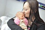Elen Straková těší rodiče Evu Weihrauchovou a Josefa Straku z Pastvin. Při narození 18. 12. v 11.09 hodin vážila 2,766 kg.