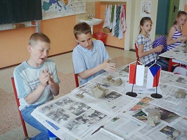Čeští a polští školáci v ZŠ Třebovská v Ústí nad Orlicí.
