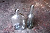 Láhve z trestné činnosti našly nového majitele.