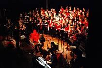 Rockové Oratorium v Roškotově divadle.