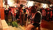 I do ulic Ústí nad Orlicí se vydaly skupinky Mikulášů, čertů a andělů. Jedna z akcí se konala v pivovaru v Hylvátech.