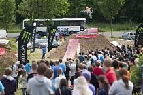 Závod ve slopestylu přilákal v loňském roce spousty diváků.