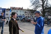 Tomáš Kalous (vlevo) při Dni s Deníkem v Žamberku.