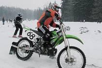 Zvuk burácejících motorů motokrosových motocyklů se rozezní v neděli v areálu u koupaliště v Letohradě.