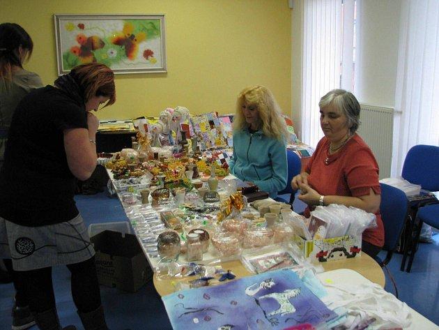 Prodejní výstava místní organizace Svazu tělesně postižených v Lanškrouně.