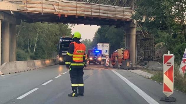 Dopravní nehoda na silnici I/35 mezi Vysokým Mýtem a Litomyšlí.