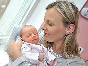 Laura Danielová, tak pojmenovali svou dceru Lucie Popelářová a Roman Daniel z Lukové. Holčička se narodila 10. dubna v 9.17 hodin a vážila 2,80 kg. Doma se na ni těší také sestřička Vaneska.