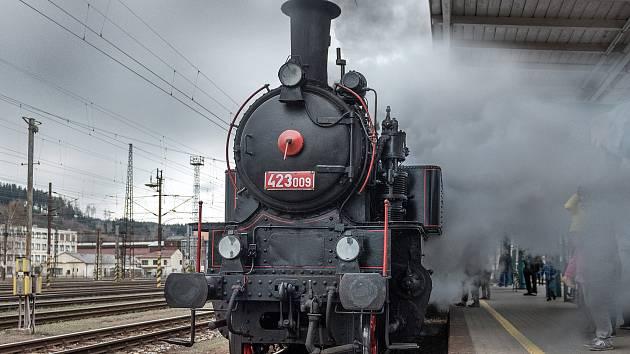 Parním vlakem na oslavy 170 let trati Česká Třebová Brno, to byl podtitul sobotních oslav výročí zahájení dopravy na trati do Brna.