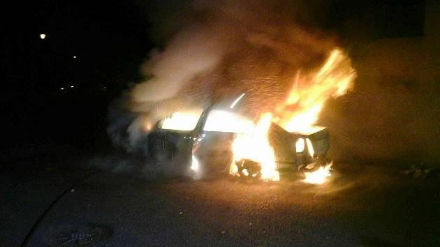 Požár osobního automobilu v Chocni.