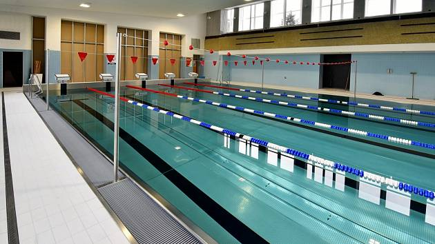 První návštěvníci rekonstruovaný bazén uvidí už 2. března.