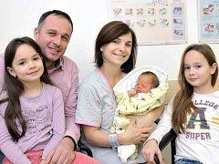 Michal Sháněl rozšířil rodinu Michaely a Michala z Vysokého Mýta. Na svět přišel 29. 12. v 8.32 hodin, kdy vážil 3,65 kg. Doma se na něj těší i sestřičky Elen a Nikol.