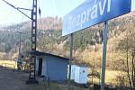 Modernizace železničního koridoru mezi Ústím nad Orlicí a Brandýsem nad Orlicí začala. V osadě Klopoty jsou již viditelné přípravné práce.