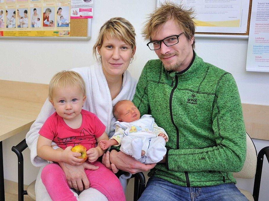 Štěpán Luhový bude doma v České Rybné s rodiči Annou a Radkem i sestřičkou Klárkou. Narodil se 14. listopadu v 17.26, kdy vážil 2,980 kg.