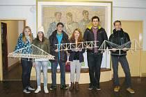 Vysokomýtští studenti se zúčastnili soutěže Bridge Builder Contest.