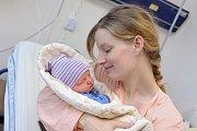 Jáchym Kapoun se narodil 27. 12. v 8.18 hodin rodičům Elišce a Honzovi. Chlapec vážil 3,57 kg a doma v Dolní Dobrouči se na něj těší i sestřička Lenka.