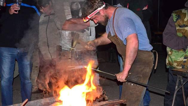Sopotnici opět po roce rozezní kovadliny a bušení kovářských kladiv.