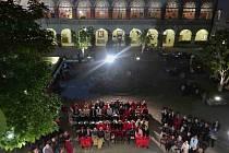 Festival Harriet Parish se poprvé koná také na zámku v Častolovicích.