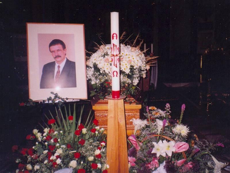 Z pohřbu Josefa Luxe v Chocni.