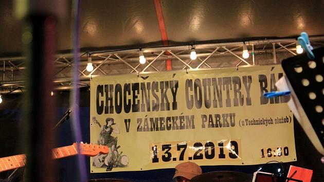 V sobotu se v zámeckém parku v Chocni uskutečnil country bál.
