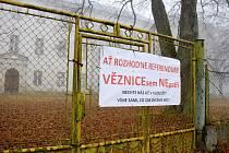 Referendum o věznici v Králíkách.