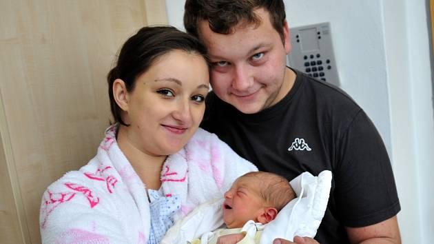 Václav Nosek bude doma v Králíkách s rodiči Terezou Tomanovou a Václavem Noskem. 16. října v 1.51 je potěšil hmotností 3,01 kg.