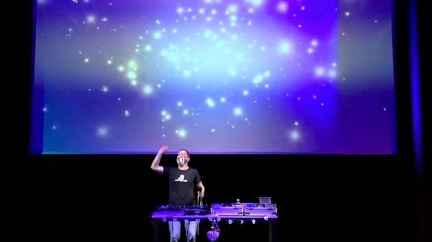DJ Standa